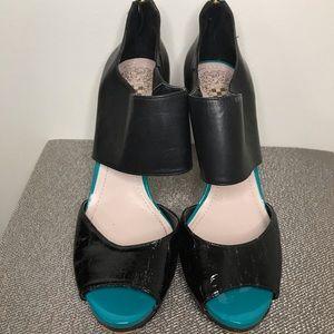 Vince Camuto heels 8.5